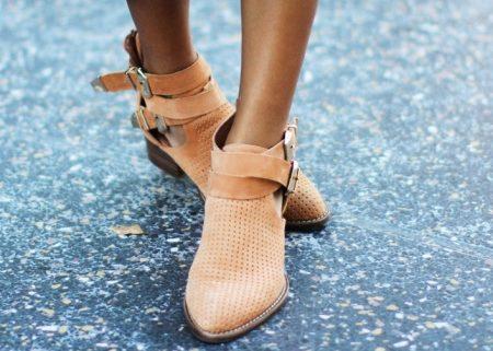 Летние женские ботинки (28 фото): кожаные модели, с перфорацией, открытые и на тракторной подошве
