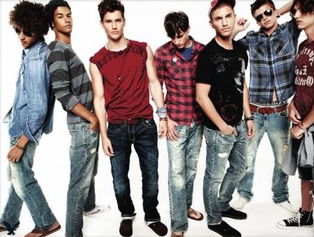 90b15d71bcb Молодежный стиль одежды (44 фото)  модные образы для парней и девушек