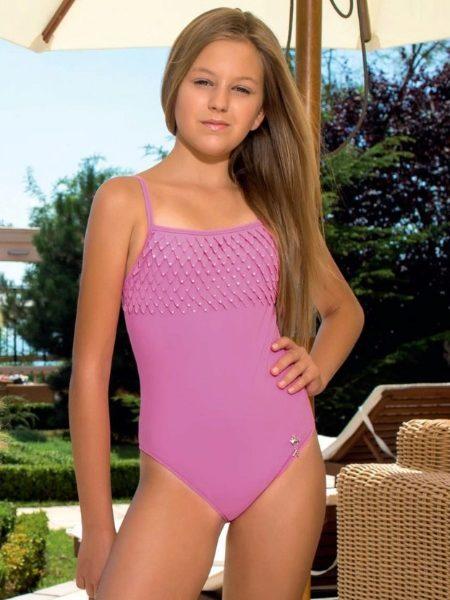 Подростковые купальники: слитные и раздельные, закрытые модели