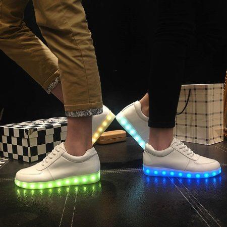 Светящиеся ботинки: модели с подсветкой для детей, светодиодные