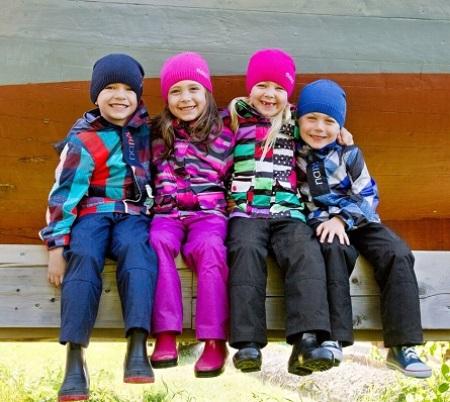 Демисезонная одежда для детей: детские модели для девочек и мальчиков, правила выбора мембранной одежды