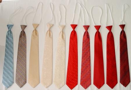 Как завязать галстук на резинке (37 фото): как на пошагово завязывать, школьный галстук