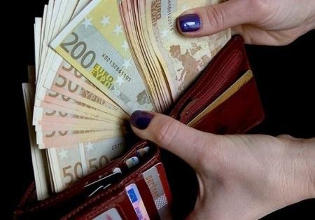 Изображение - Какого цвета кошелек притягивает деньги kakogo-cveta-dolzhen-byt-koshelek-dlya-privlecheniya-deneg-57