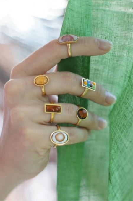 Кольца с эмалью (65 фото): украшения с черной эмалью Frey Wille, православные кольца Спаси и Сохрани