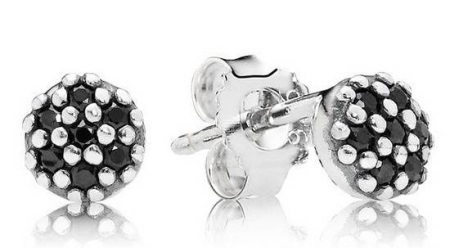 Серьги Пандора (60 фото: выбираем сережки марки Pandora, некоторые модели в ушах смотрятся как снежинки