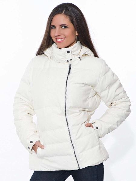 60db8e0cdda Благодаря чему вы будете выглядеть модно и стильно даже в спортивной  одежде. Цветовая палитра женской зимней спортивной одежды ...