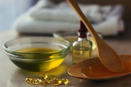 Касторовое масло помогает растут бровь