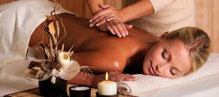 Кокосовое масло для массажа: польза от средства с кокосом для тела, головы и лица, можно ли делать