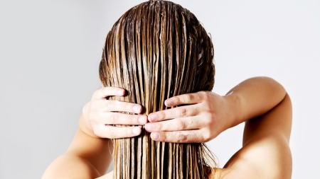Восстанавливающий кондиционер для волос: отзывы о средствах для восстановления поврежденных волос KeraSys и Tsubaki