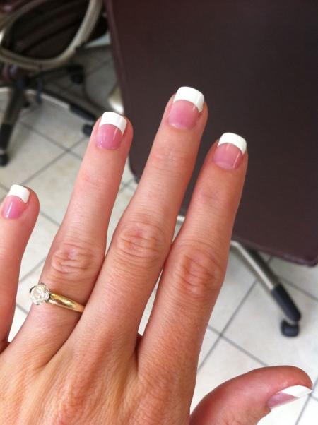 Растянутый френч на ногтях