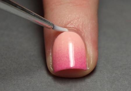 Красивый градиент на ногтях