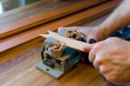Кожаный ремень (89 фото): женские аксессуары из натуральной кожи, изделия ручной работы, как обновить, как выпрямить, как размягчить