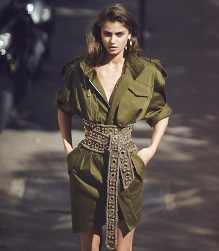 Широкий женский ремень: тренды 2018 для платьев, кожаный корсет на талию, с чем носить красные и зеленые цвета