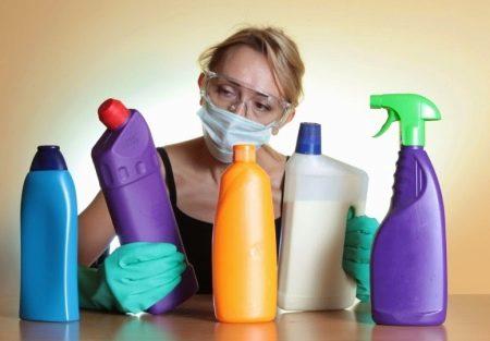 Чем отчистить унитаз от ржавчины и налета? Как отмыть мочевой камень своими руками в домашних условиях, чем почистить въевшуюся ржавчину в туалете