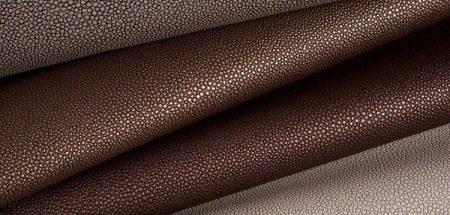 Чем оттереть ручку с кожзама? Как можно отмыть чернила от шариковой ручки с экокожи, чем отчистить пасту от белой кожи