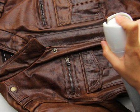 Как почистить кожаную куртку в домашних условиях? Можно ли постирать в стиральной машине-автомат, чем отмыть светлую вещь