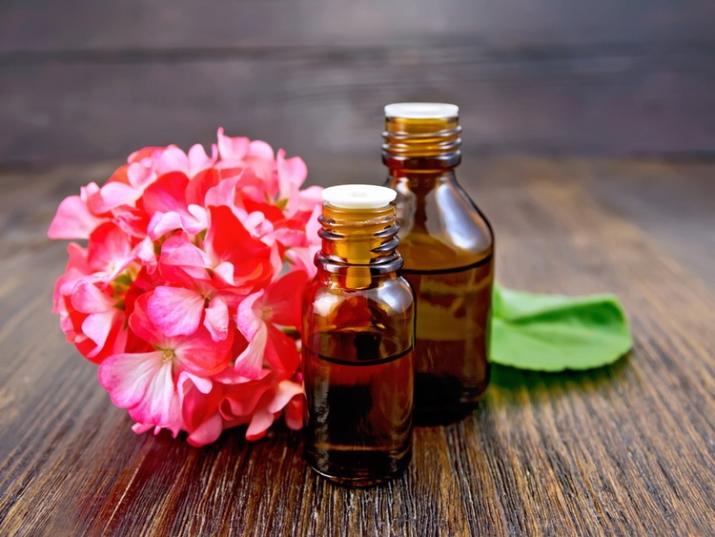 Самое лучшее эфирное масло для кожи лица