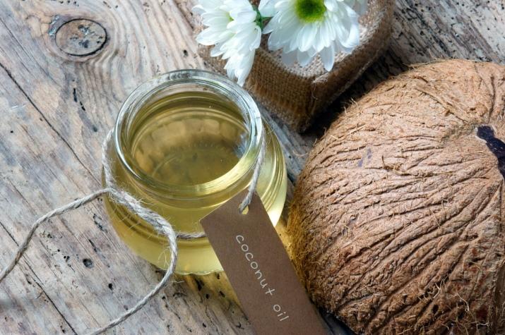Влияние кокосового масла на волосы