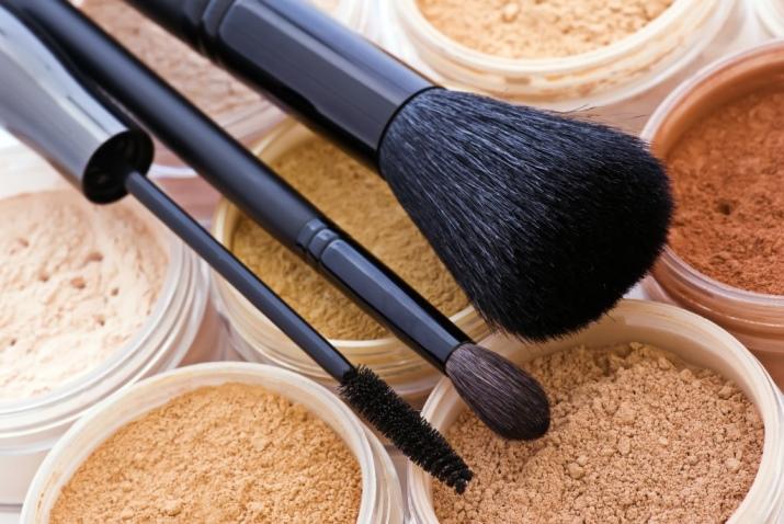 Жемчужная пудра: применение в косметологии для лица, средства Meitan и Huanheи, отзывы