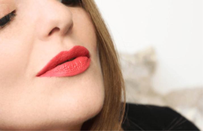 Губная помада Sleek MakeUp: Matte Me Birthday Suit и Ruffle Trim, жидкая матовая Lace Detail, отзывы