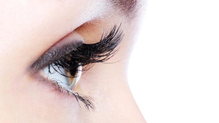 Как смыть макияж с глаз с нарощенными ресницами