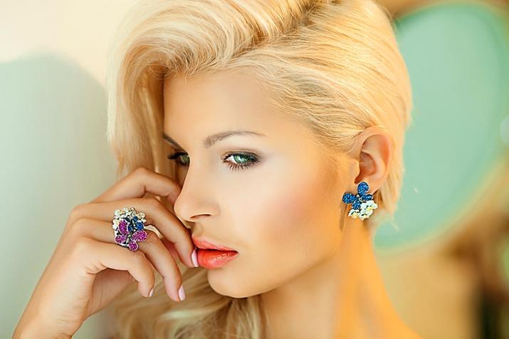 Макияж для блондинок с зелеными глазами цвета