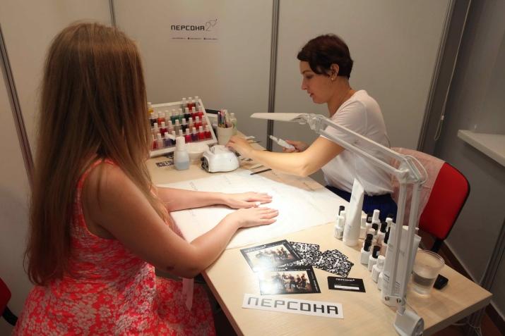 Аппаратный маникюр (40 фото): профессиональный педикюр аппаратом или машинкой