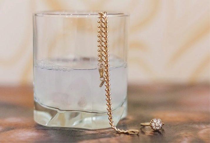 Как почистить золото нашатырным спиртом? Как помощью перекиси и нашатыря привести в порядок ювелирные украшения в домашних условиях
